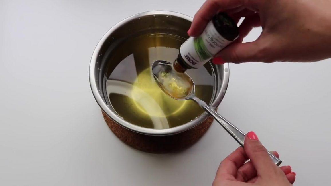 При добавлении масла следуйте инструкциям, указанным на упаковке