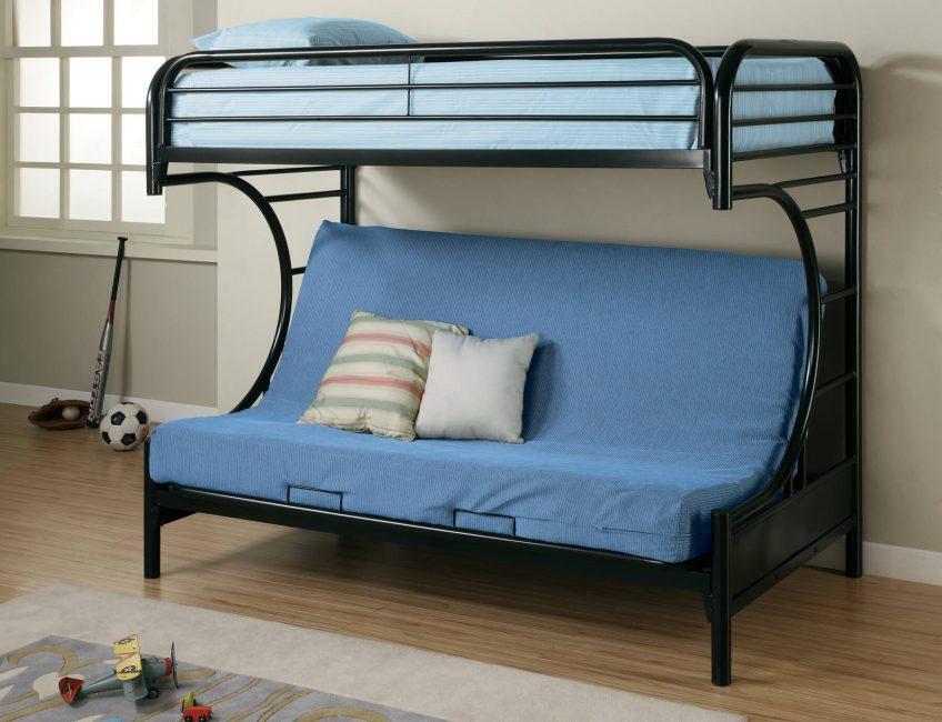 Комфортное спальное место и зона для гостей