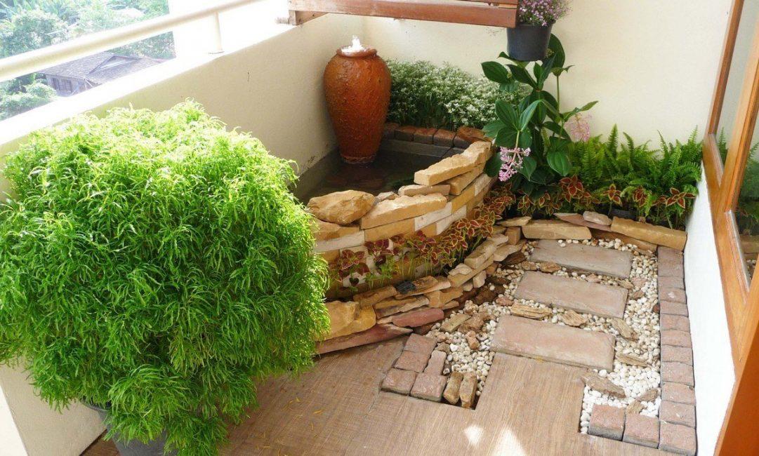 Миниатюрный зимний сад на балконе