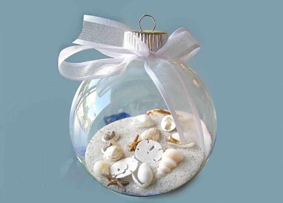 Песок с ракушками в прозрачном шаре