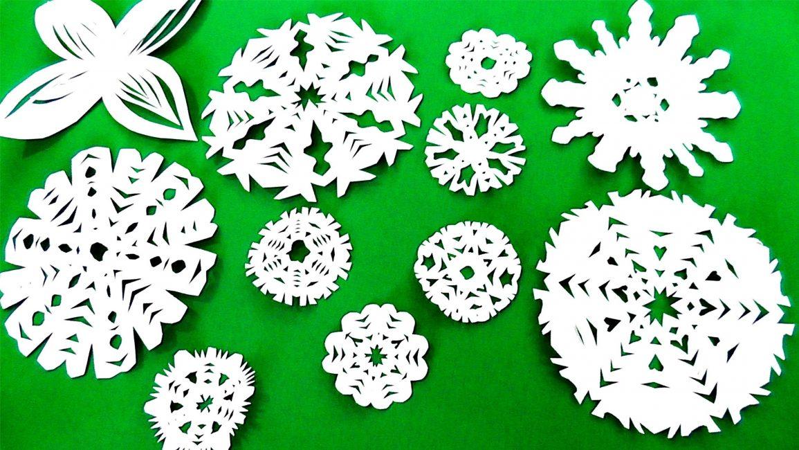 Разнообразные снежинки для создания атмосферы праздника