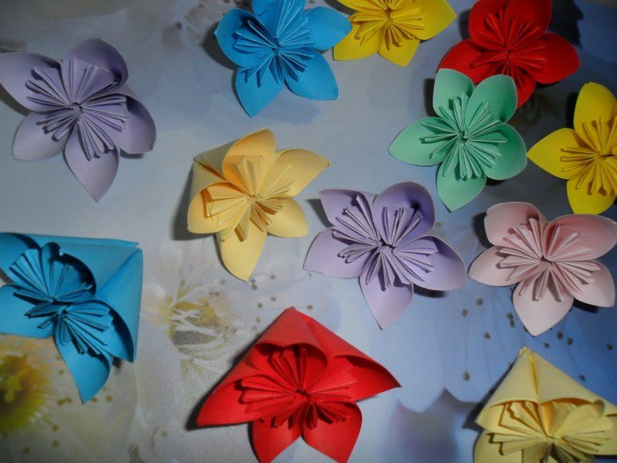 Делаем заготовки цветов для шара