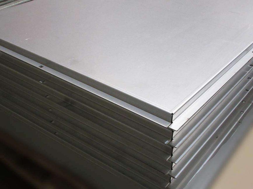 Металлические панели - крепкие и выносливые