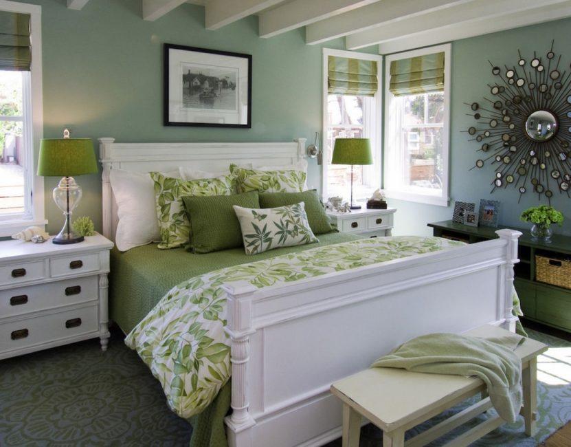 Серо-зеленый в интерьере спальни