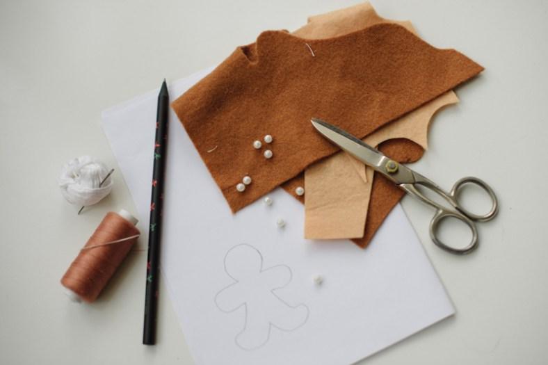Подготовьте материалы для создания имбирного пряника