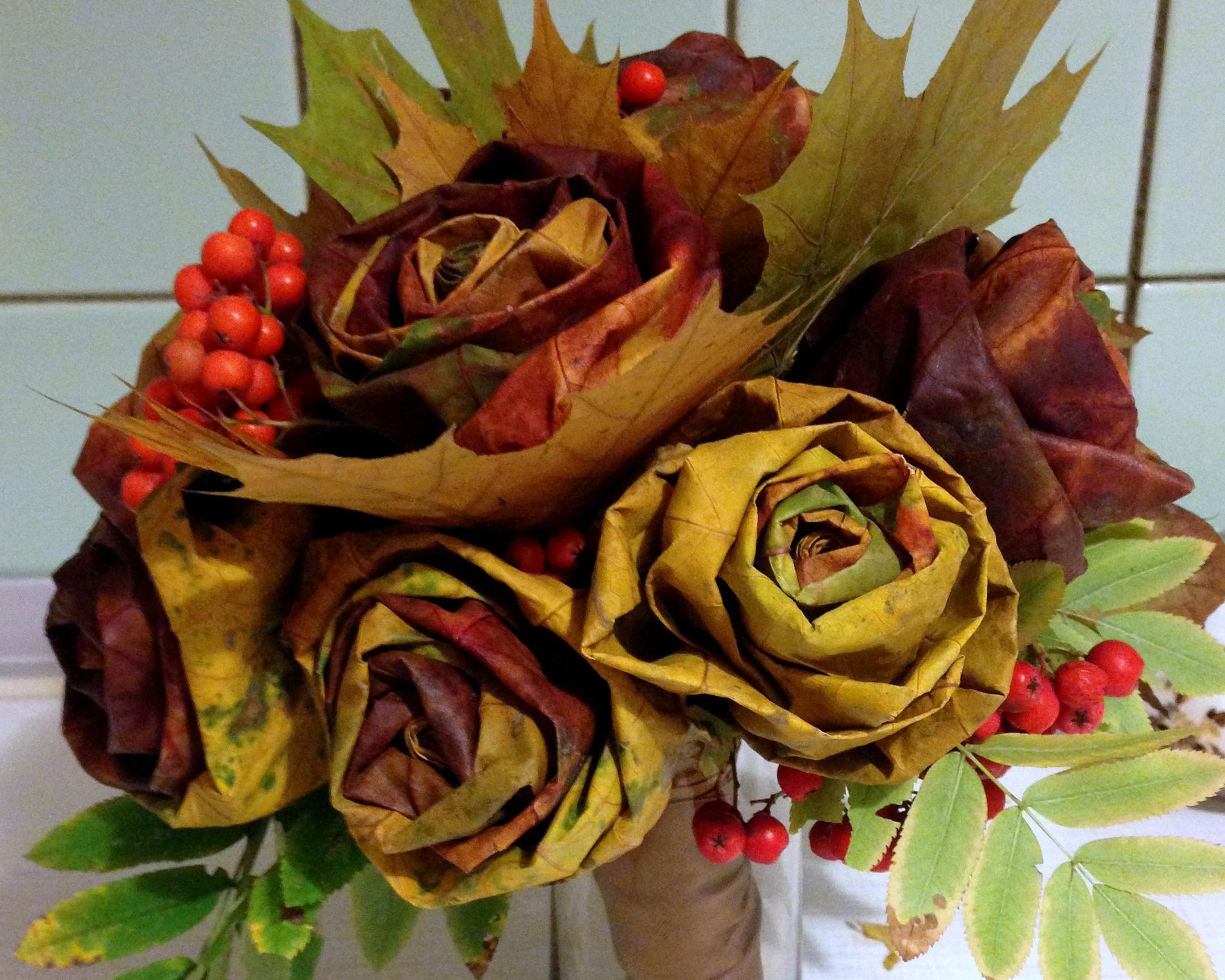 Поделки из листьев и цветов 57