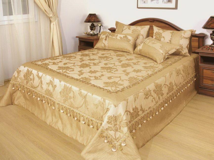Гармоничный плед в интерьере спальни