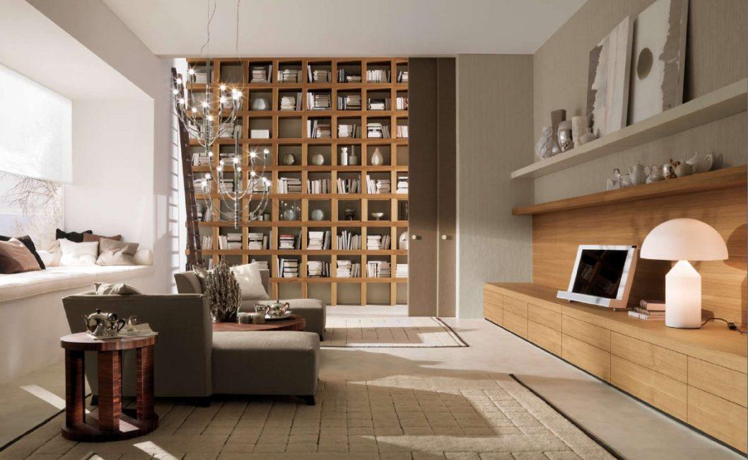 Деревянные стеллажи в гостиной