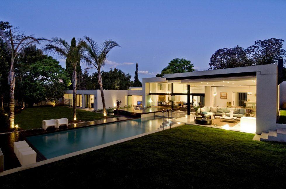 Идеальное место - это внутренний дворик, что защищает от ветров
