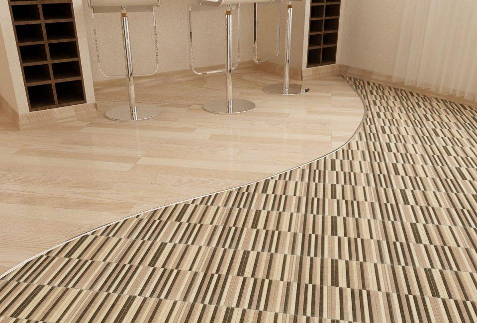 Разные варианты напольного покрытия в разных зонах комнаты