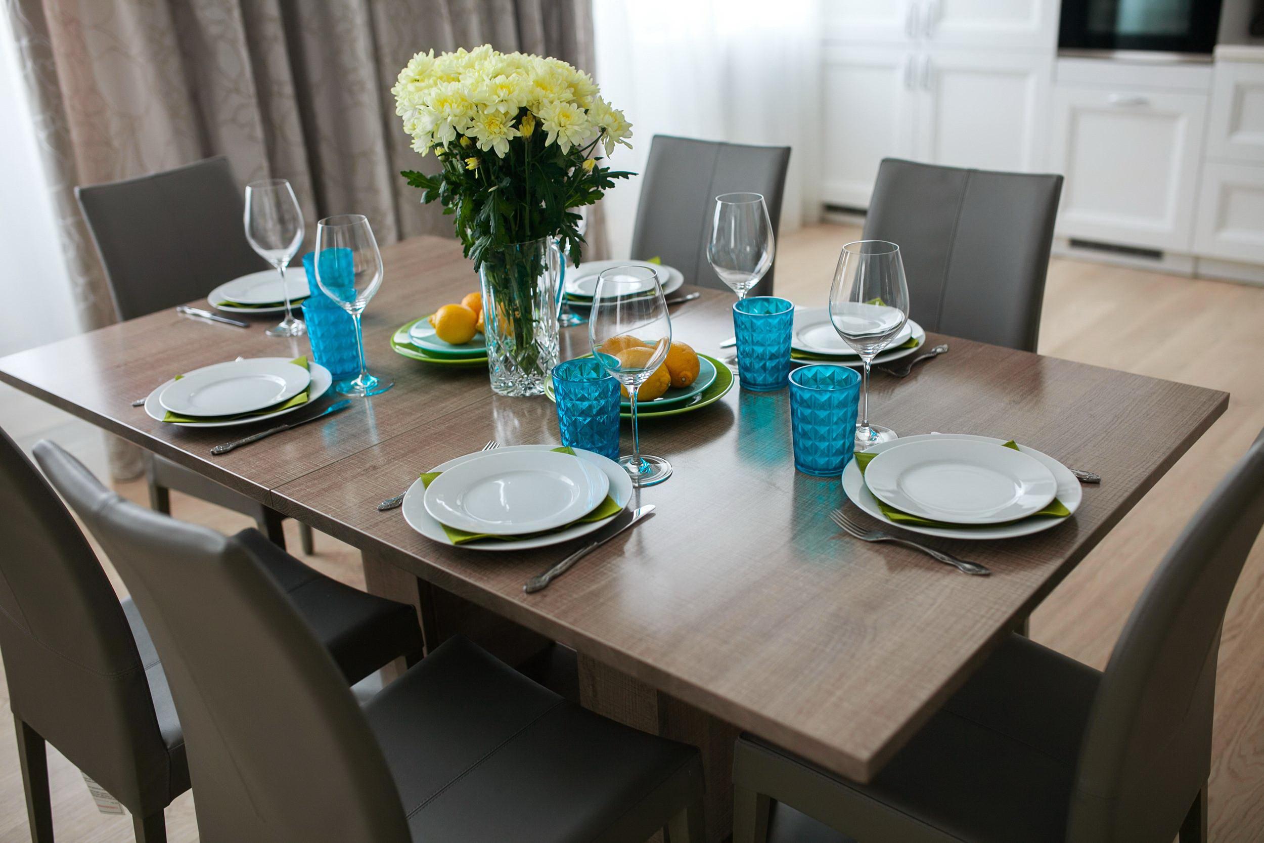 Современная сервировка стола в домашних условиях