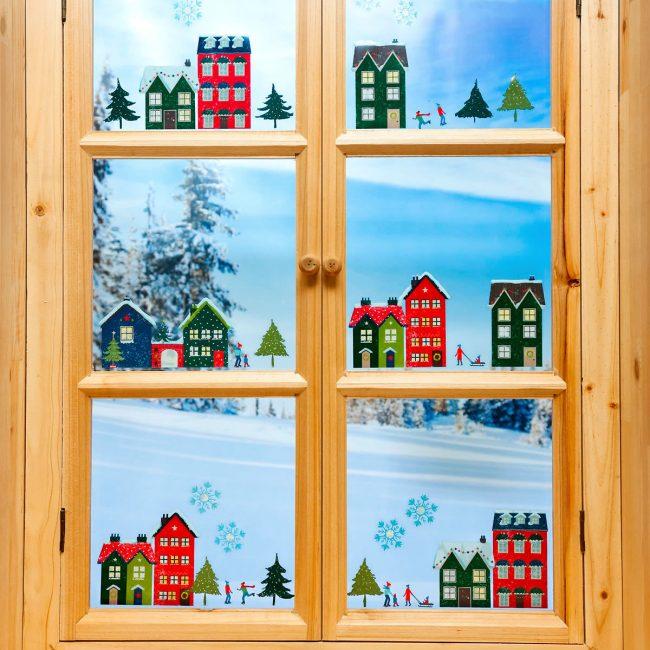 Рождественские цвета – красный и зеленый. Это символы вечнозеленой ели и цвет пламени в домашнем очаге