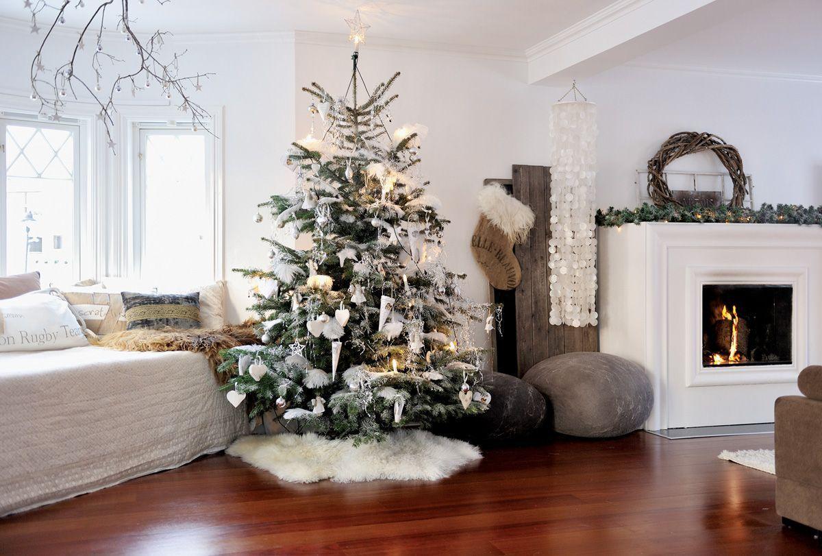 Новогодняя елка в квартире картинки