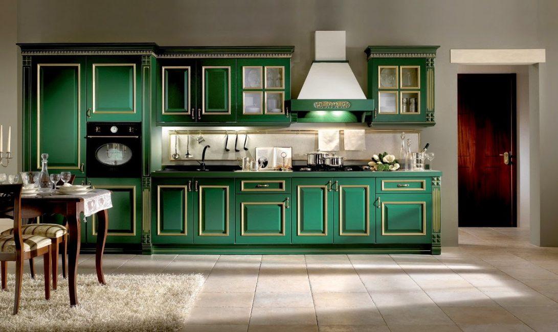 Темно-зеленый цвет в интерьере кухни