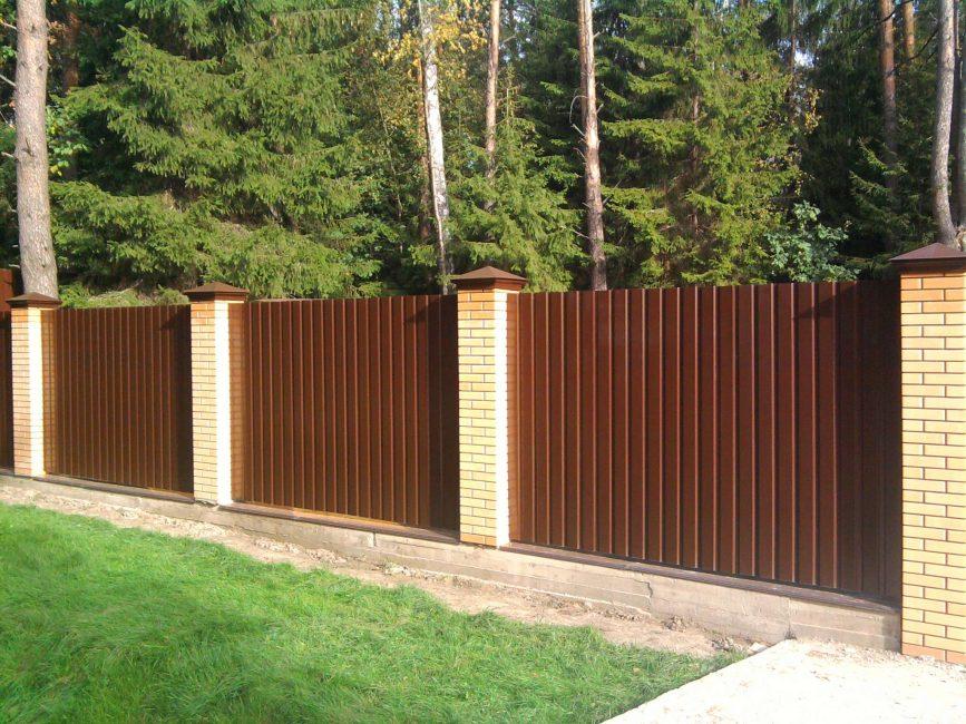 Высокий забор для тишины