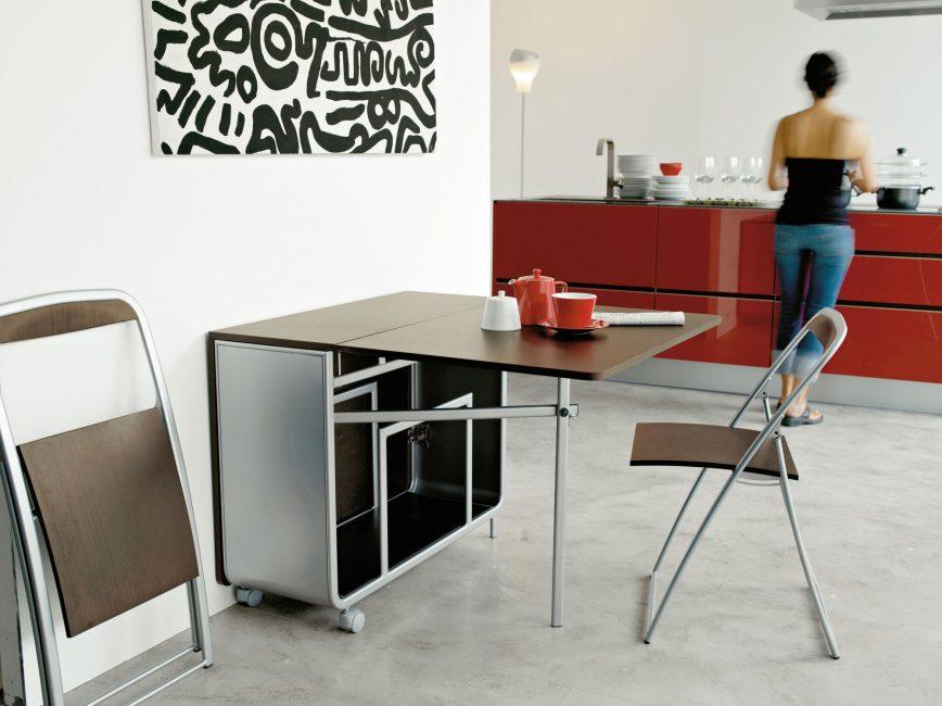 Подобные столы способны вписаться в любой интерьер