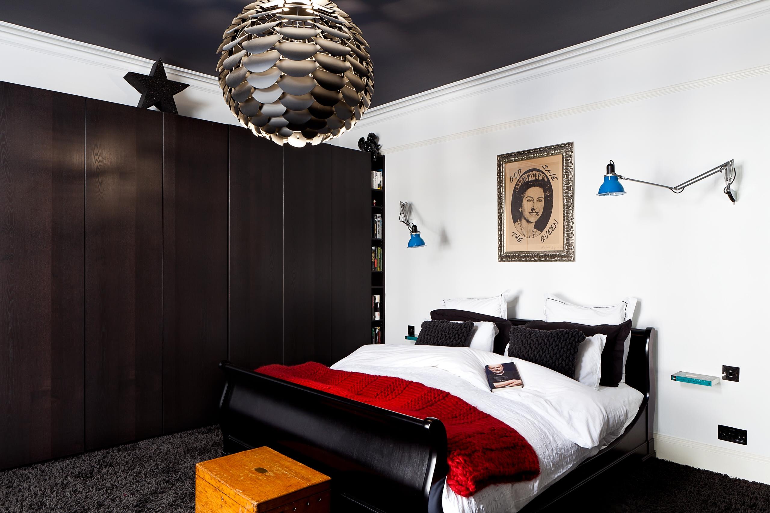 фото комнат с черными натяжными потолками