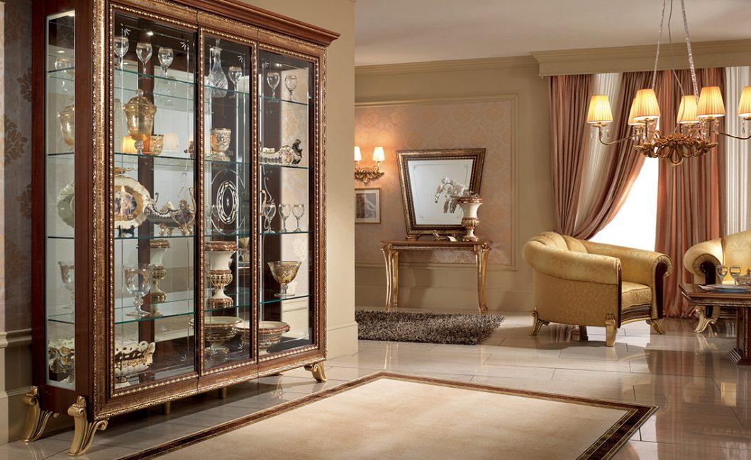 Шкаф - сервант идеально подходит для гостиной в данном стиле