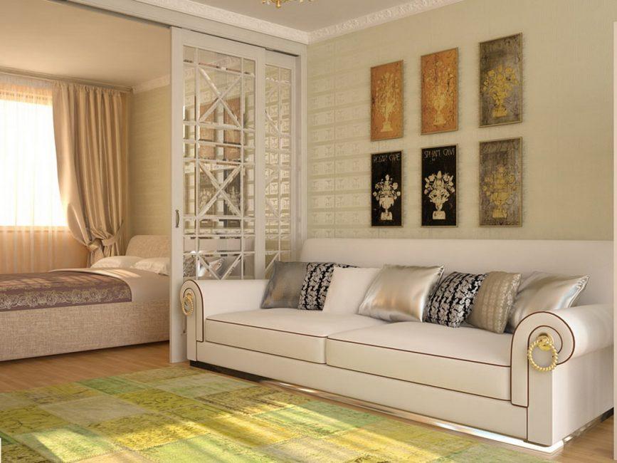Вариант скромной гостиной, совмещенной со спальней