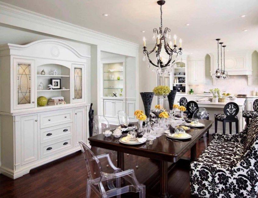 Для характерных кухонь, выполненных в черно-белых сочетаниях
