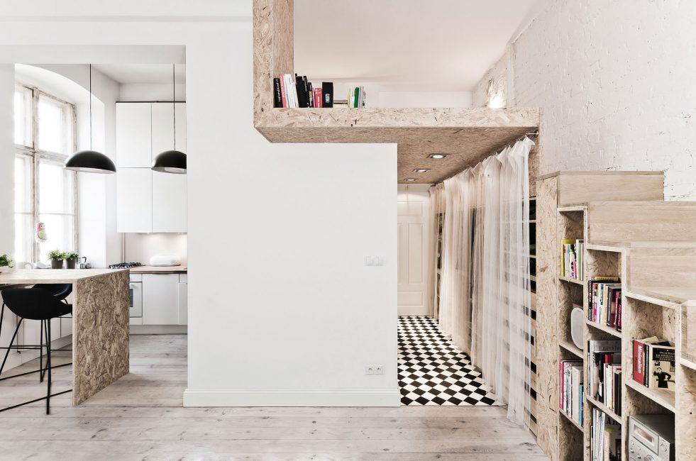 Второй этаж в своей квартире для кровати или хранения вещей