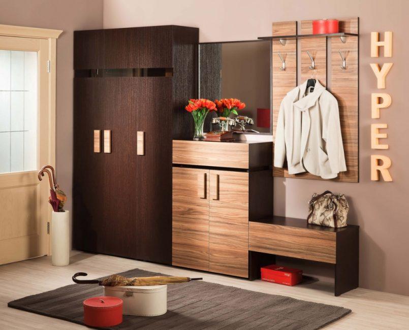 Хранение с дверьми и выдвижными ящиками