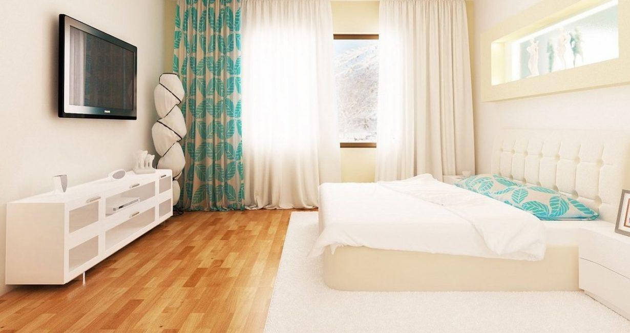 Большая и светлая спальня в загородном стиле