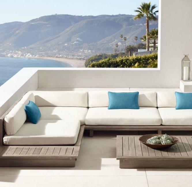 Красивая терраса в средиземноморском стиле