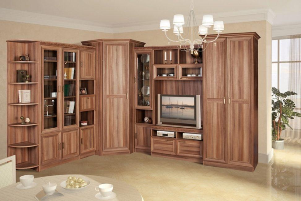 В большой квартире уместно смотрится данный тип мебели