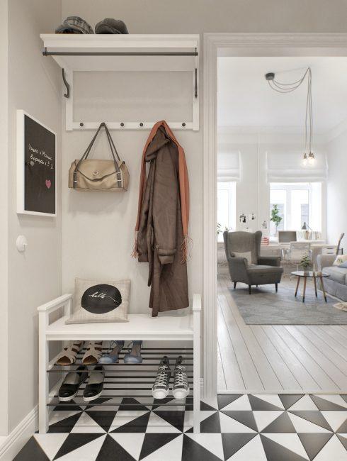 Крючки для одежды экономят большое количество места