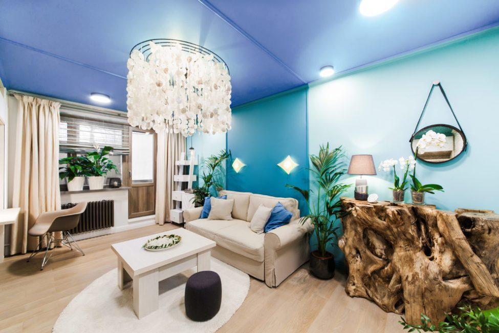 Синий потолок для интерьера нужно выбирать с особой осторожностью