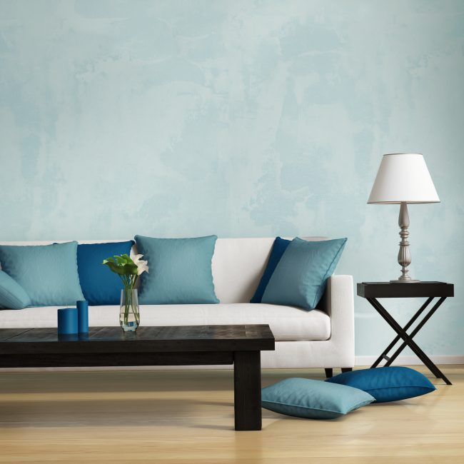 Насыщенная темная синева и светлый серый создают определенный контраст