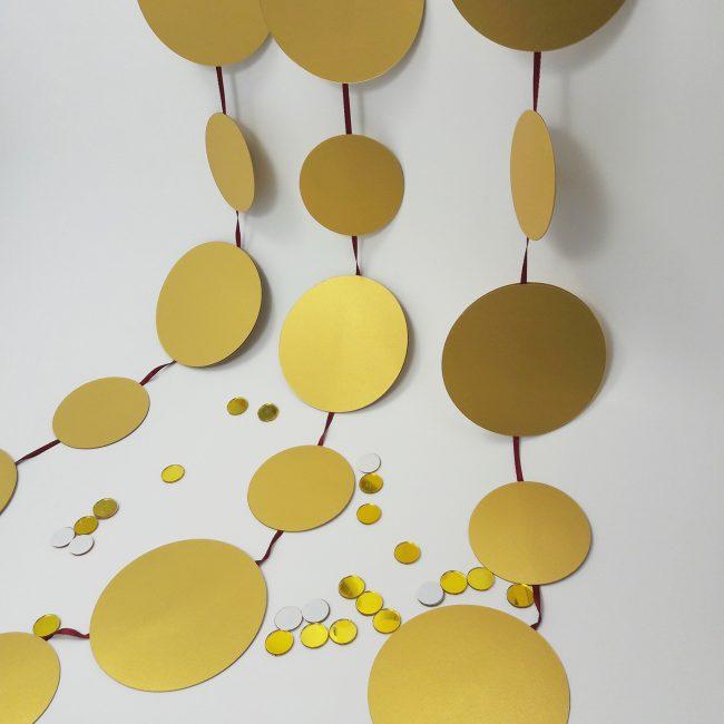 Золотистый цвет для любителей блеска
