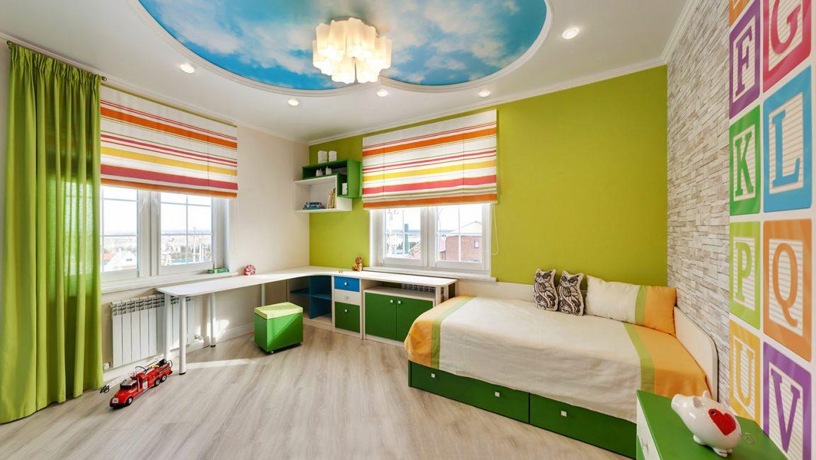 Несколько уровней света в детской комнате