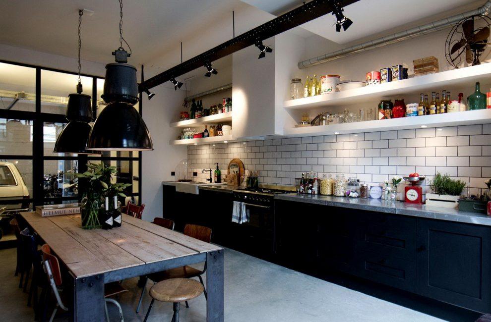 Для кухонной зоны зачастую отводят угол гостиной
