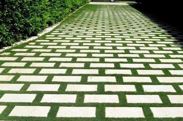 Травянистая дорожка для двора