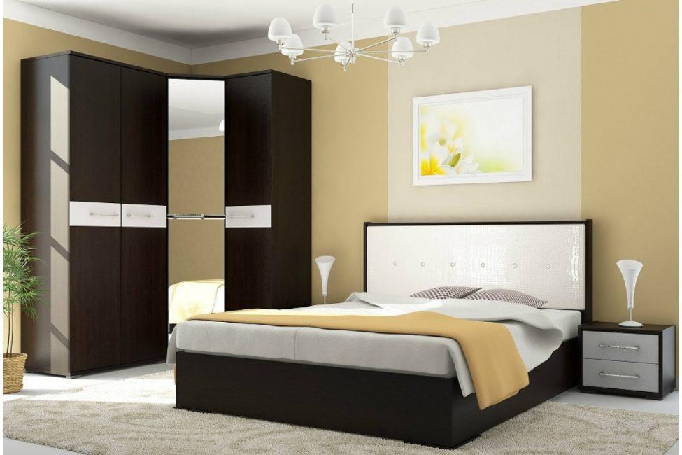 Двуспальная кровать более вместительная, чем повышает функциональность использования подъемного механизма
