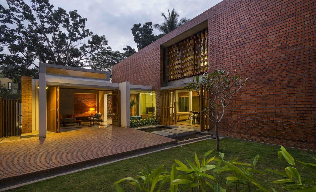 Красивый дом в стиле модерн