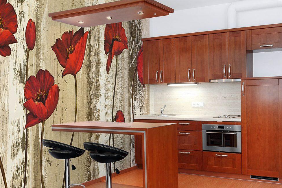 Фреска с маками в дизайне кухни