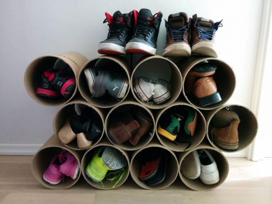 Обувную стойку легко сделать своими руками