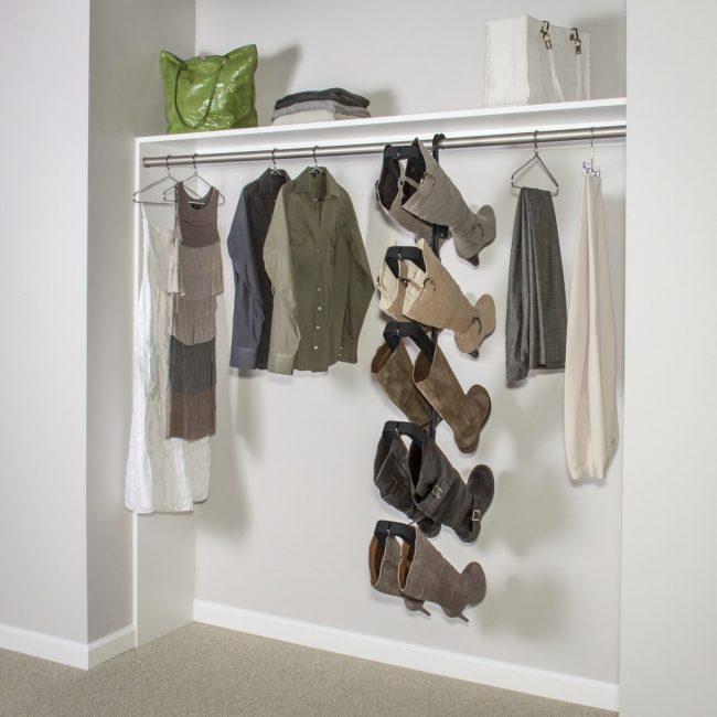 Интересное решение для хранения обуви - вешалки