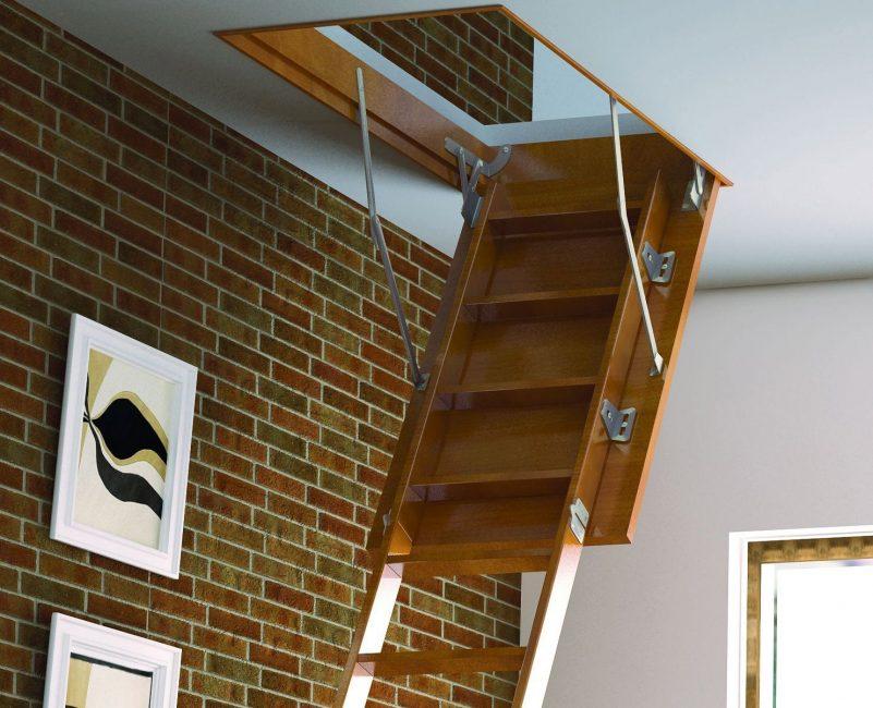 Складная лестница на второй этаж или чердак