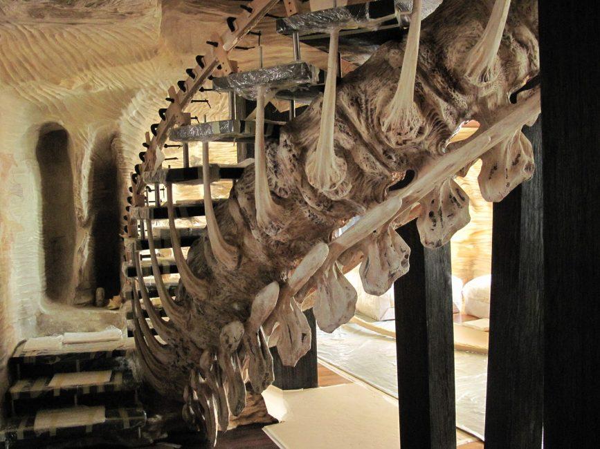 Оригинальный дизайн скульптурной лестницы