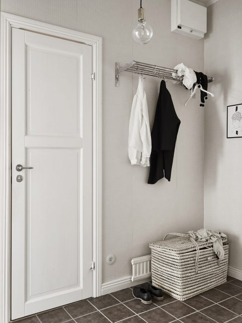 Стены следует оформлять в белом цвете и его оттенках