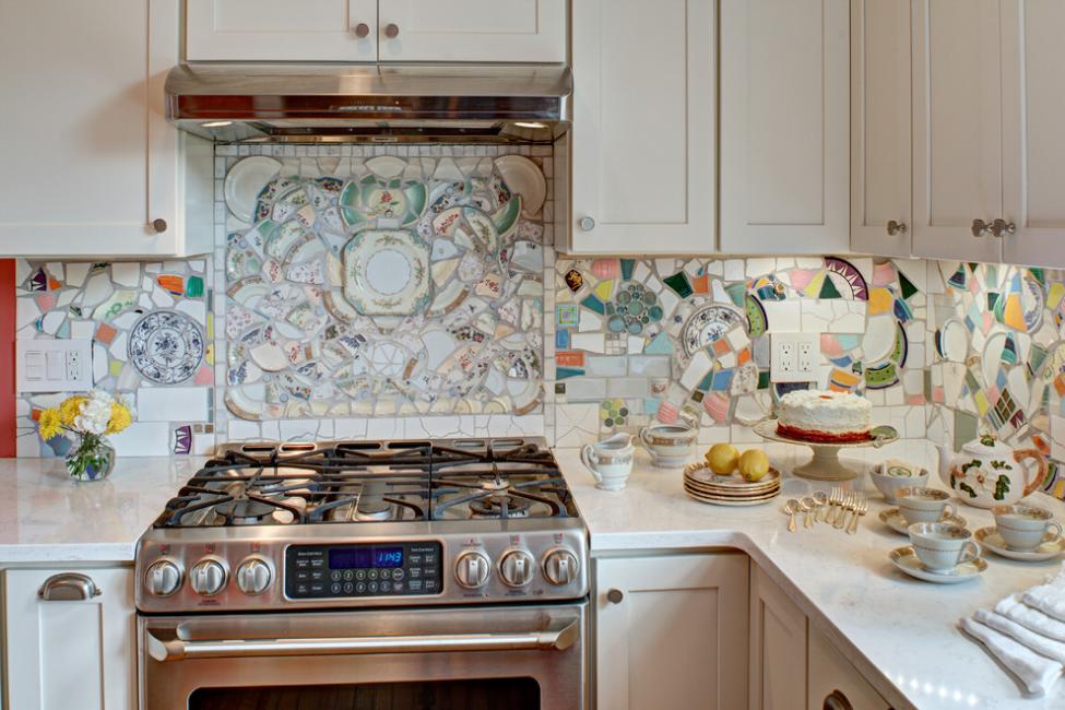 Вторая, красивая жизнь битым осколкам посуды, сервизов и плитки