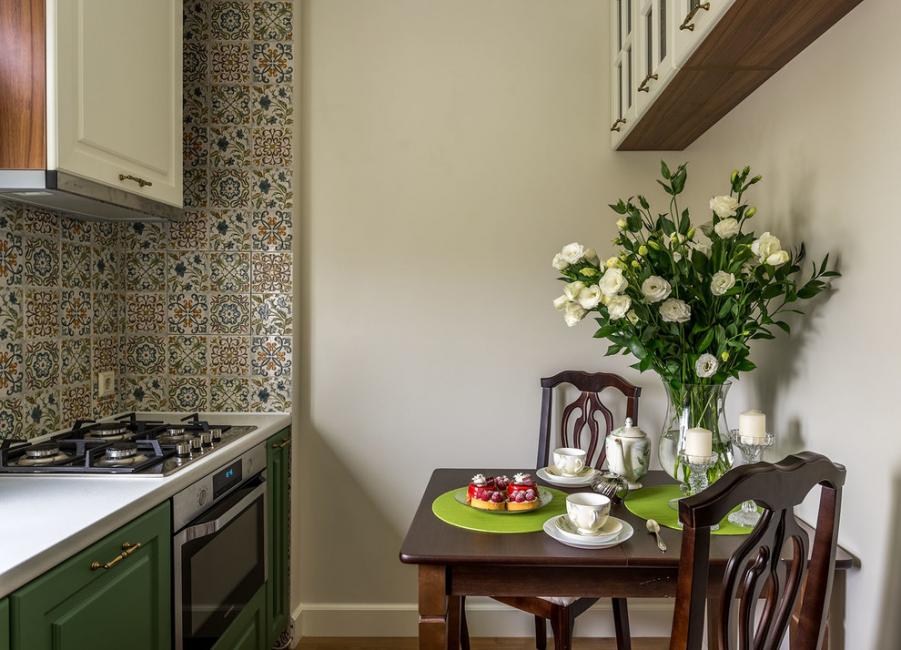 Керамическая плитка практична, долго не теряет привлекательный вид и разнообразна в дизайне