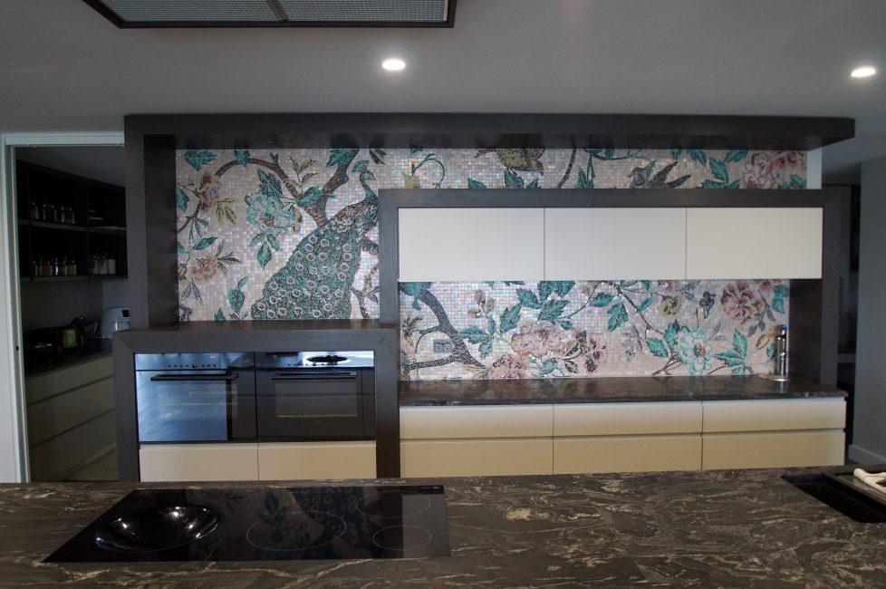 Мозаикой можно выложить эксклюзивную картину по собственному индивидуальному проекту