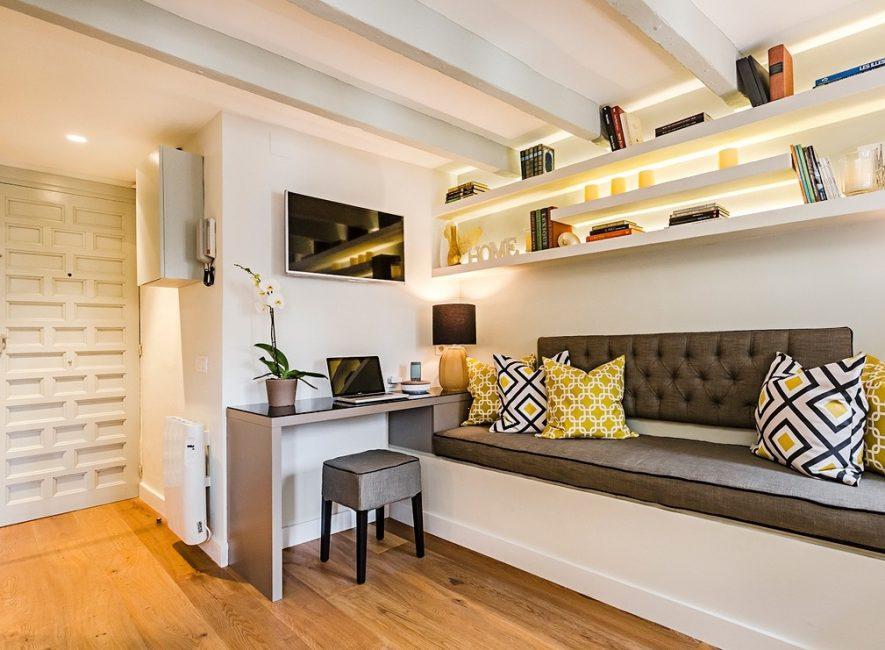 Дизайн квартиры-студии с горчичными нотками сделают интерьер теплым