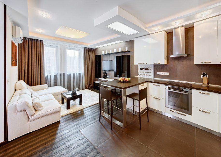 Зонируйте пространство в квартире-студии с помощью различных материалах и декоративных элементов