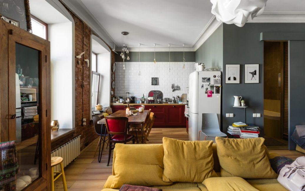 Интересные детали: сочетание горчичного и серого в квартире-студии